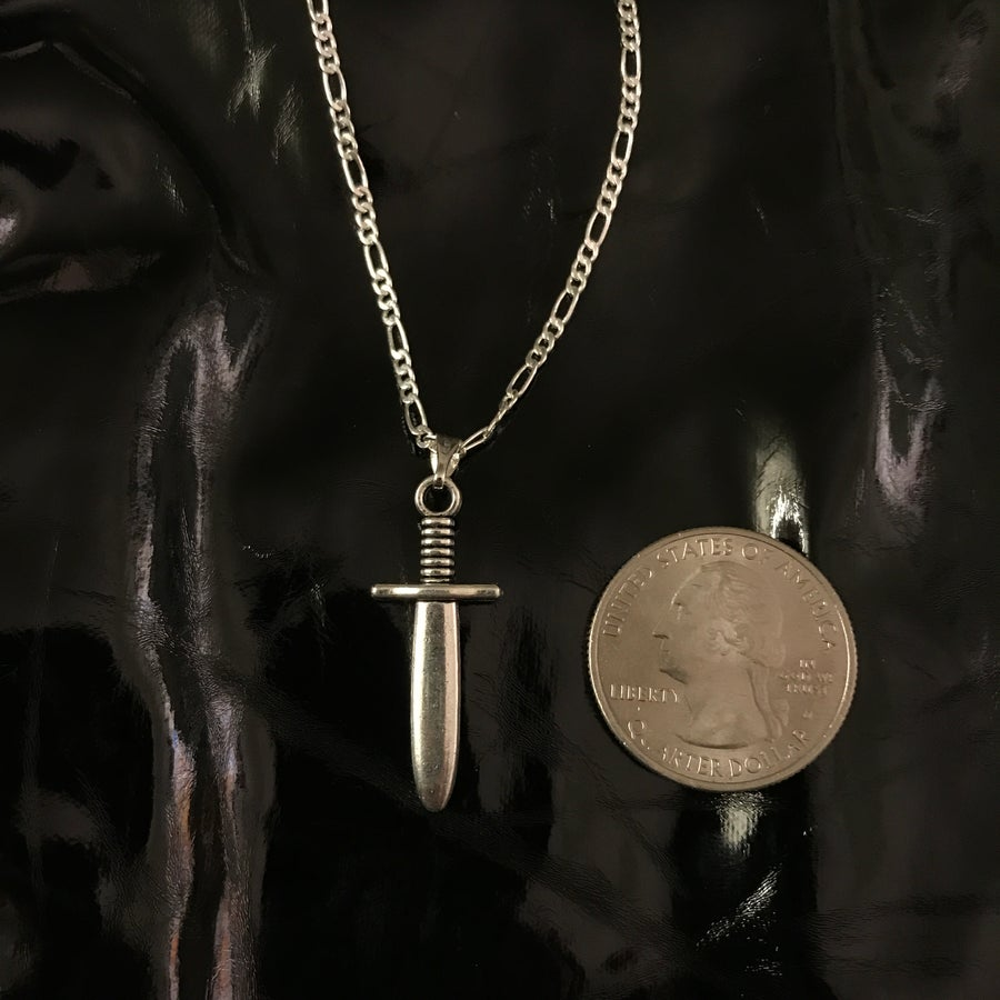Image of dagger pendant on classic chain