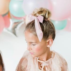 Image of Velvet scrunchie bows