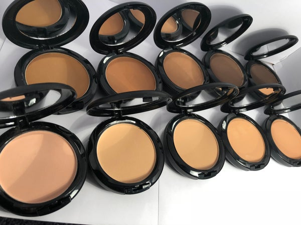 Image of Julia Powder Cake Foundation
