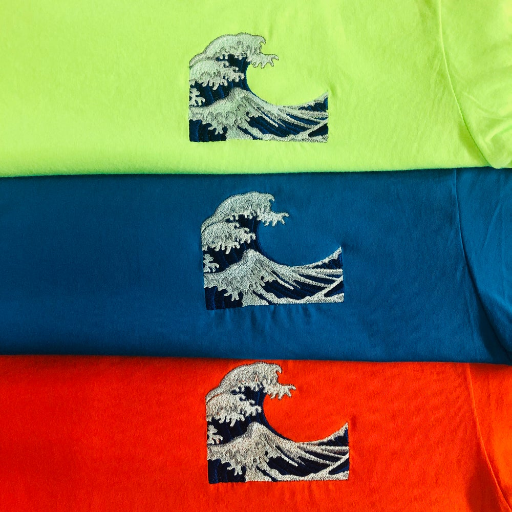 WAVE EMBROIDERY (BLUE TINT) T-SHIRT & HOODY