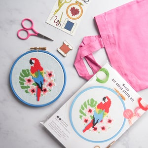 Image of Macaw Complete Xstitch Package