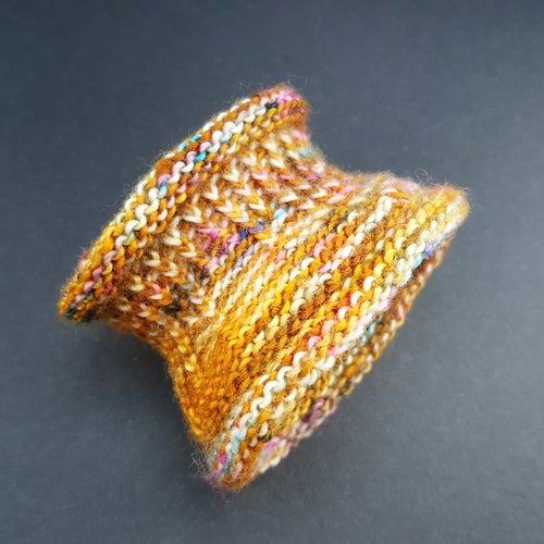 Image of WINDOW CUFF - Honeypot