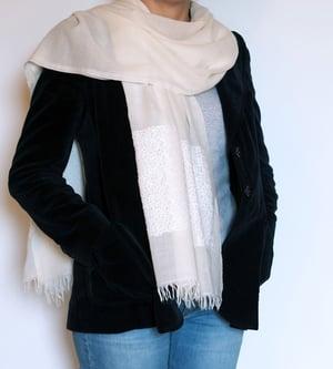 Image of Étole 100% Laine fine et sequins blancs - E7555
