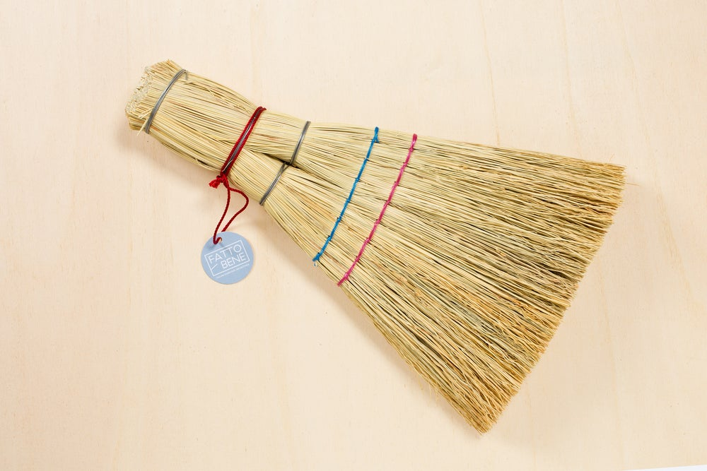 Image of HANDMADE STRAW BROOM / SCOPA DI SAGGINA FATTA A MANO