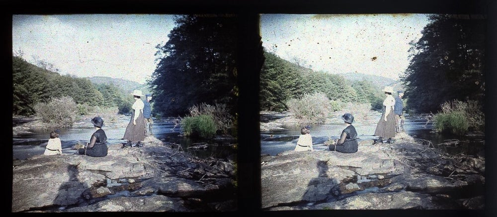 Image of Anonymous: stereo autochrome of an outdoor scene, ca. 1920