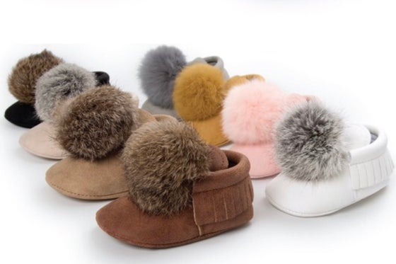 Image of Baby Moccasins (w/removable puff ball)