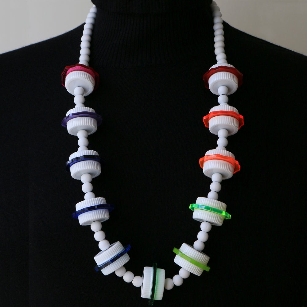 Image of necklace FROM JUNK TO JEWELRY