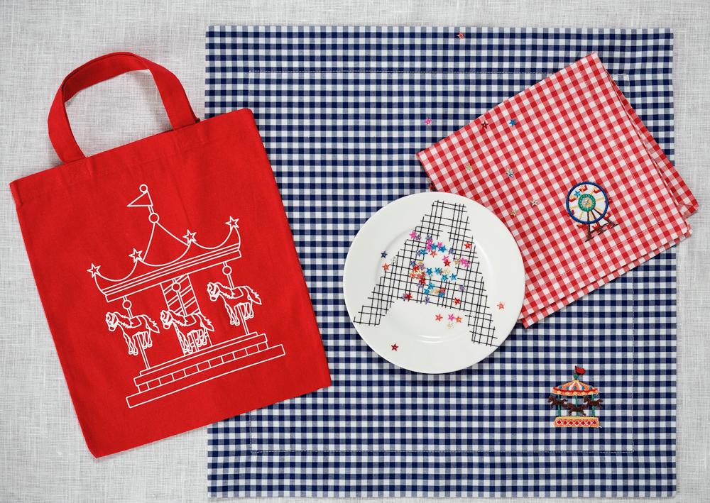 Image of set Carrousel: 1 tovaglietta +1 tovagliolo +1 borsa / 1 placemat +1 napkin + 1 tote bag Carrousel