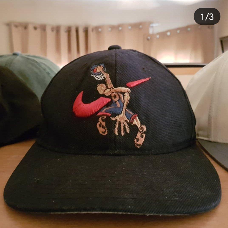 2504c36ff *Rare* Vintage '90s Nike Hat