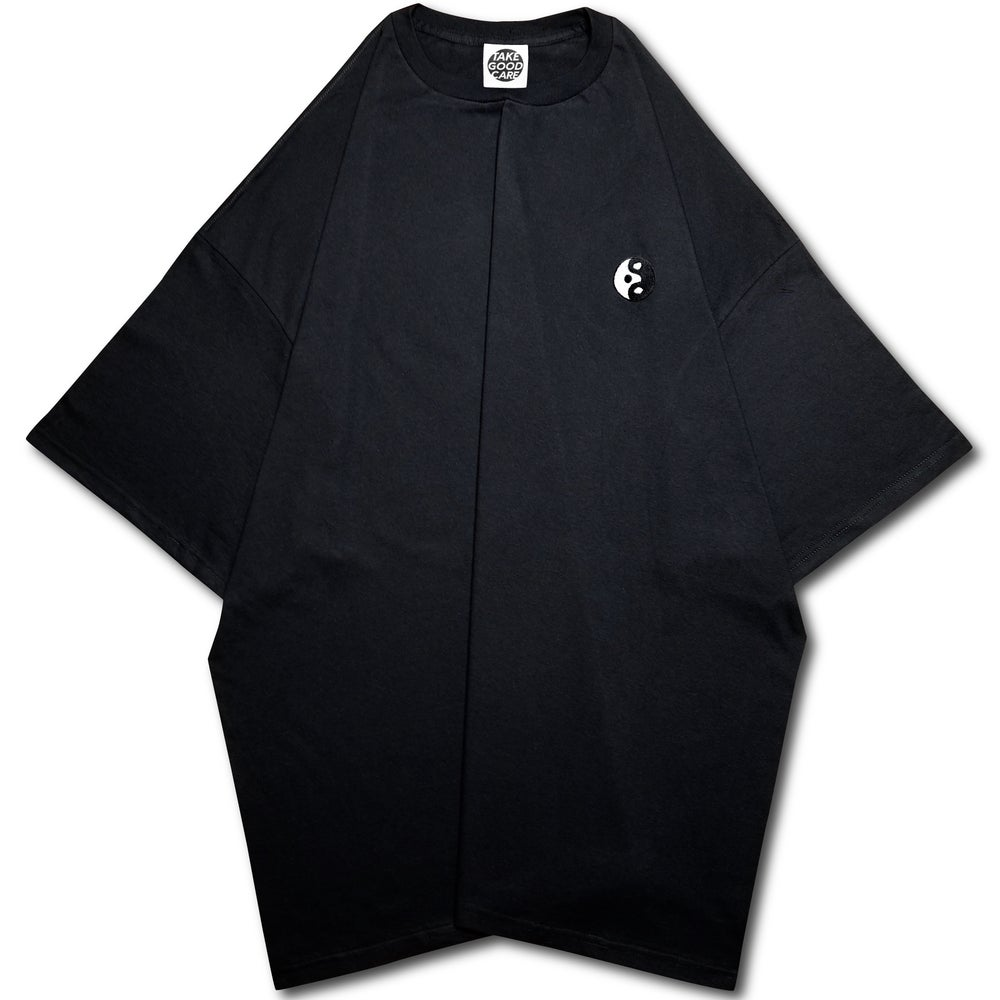 "Image of TAKEGOODCARE™ ""YINYANGISH"" MAXI TEE BLACK"
