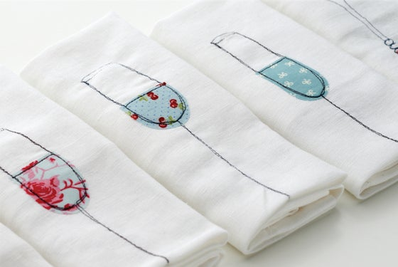 Image of Table Runner plus 4 matching napkin set