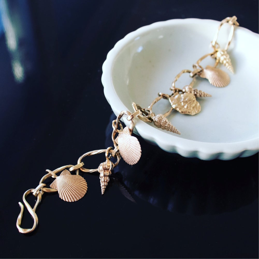 Image of Sea Shell Bracelet