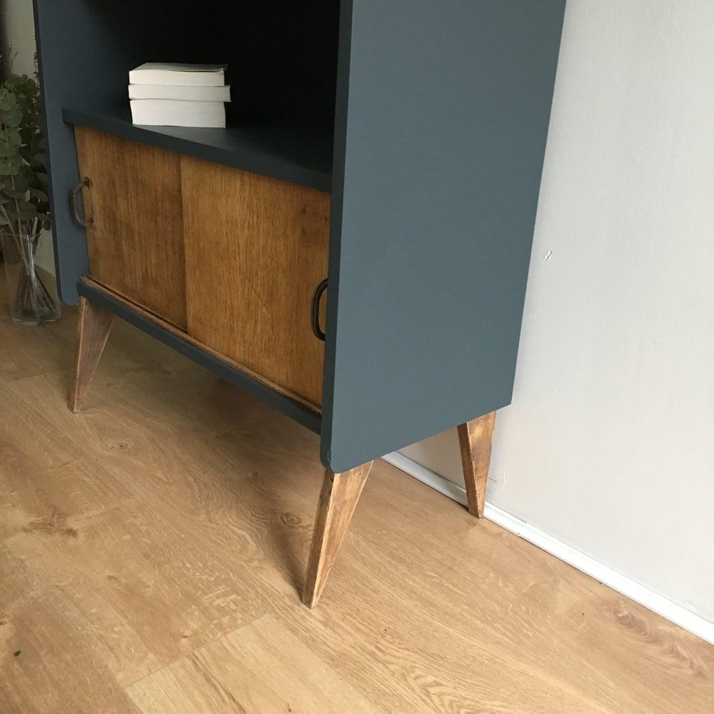 Image of Armand, meuble vintage aux pieds compas