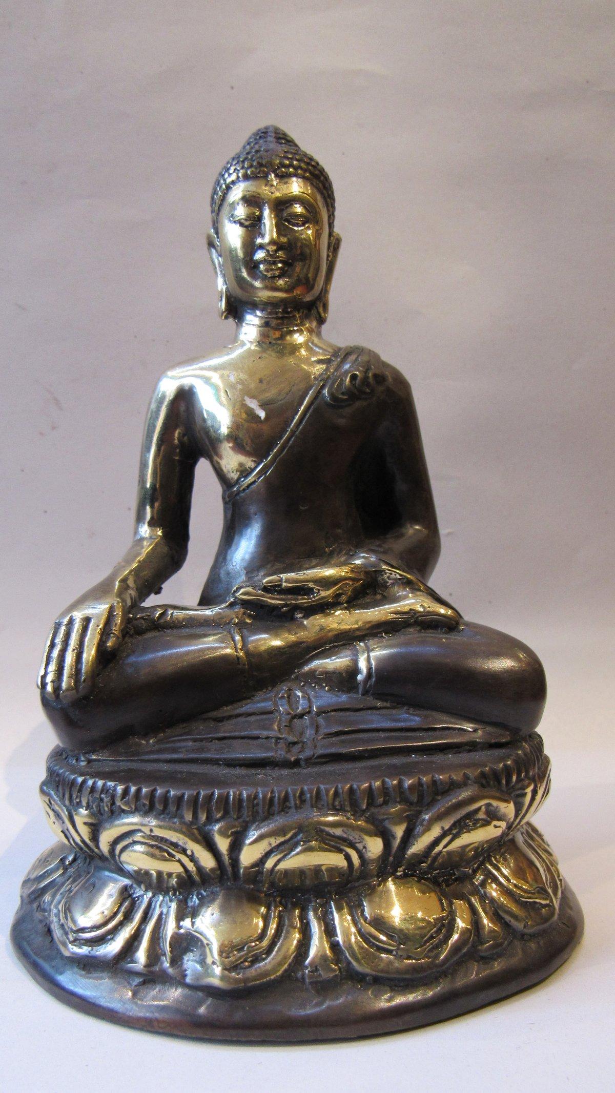 Image of Bronze Meditating buddha