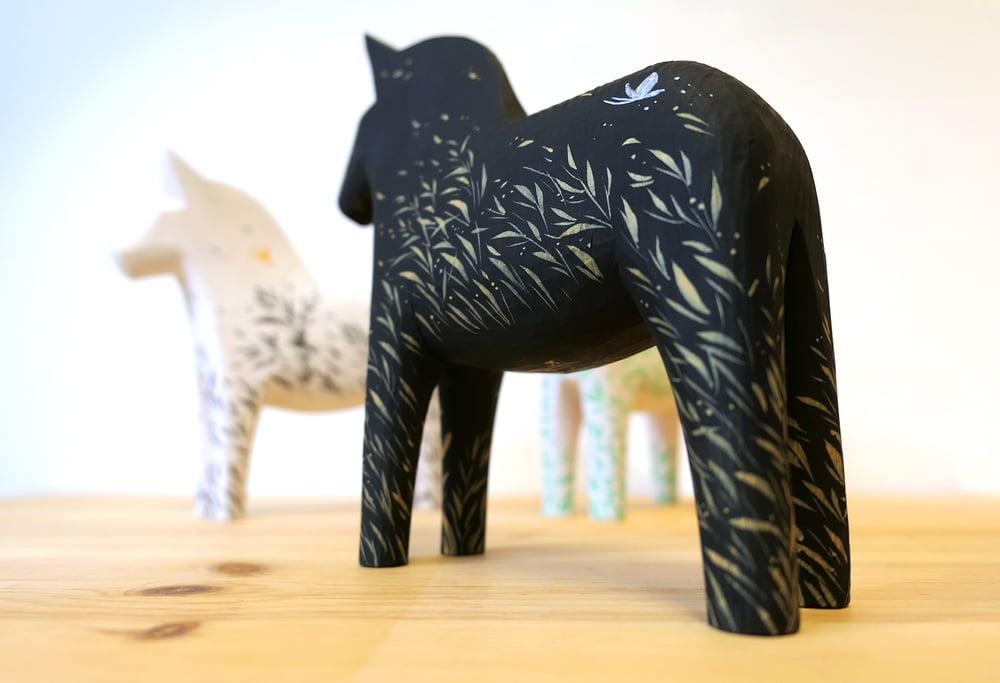 Image of Wild Wind - 'Onyx' Dala Horse