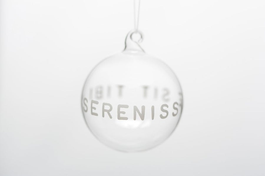 Image of VERBA 7cm Christmas ball with white inscription in Latin