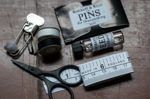 Image of Rapid Repair Kit de Merchant and Mils