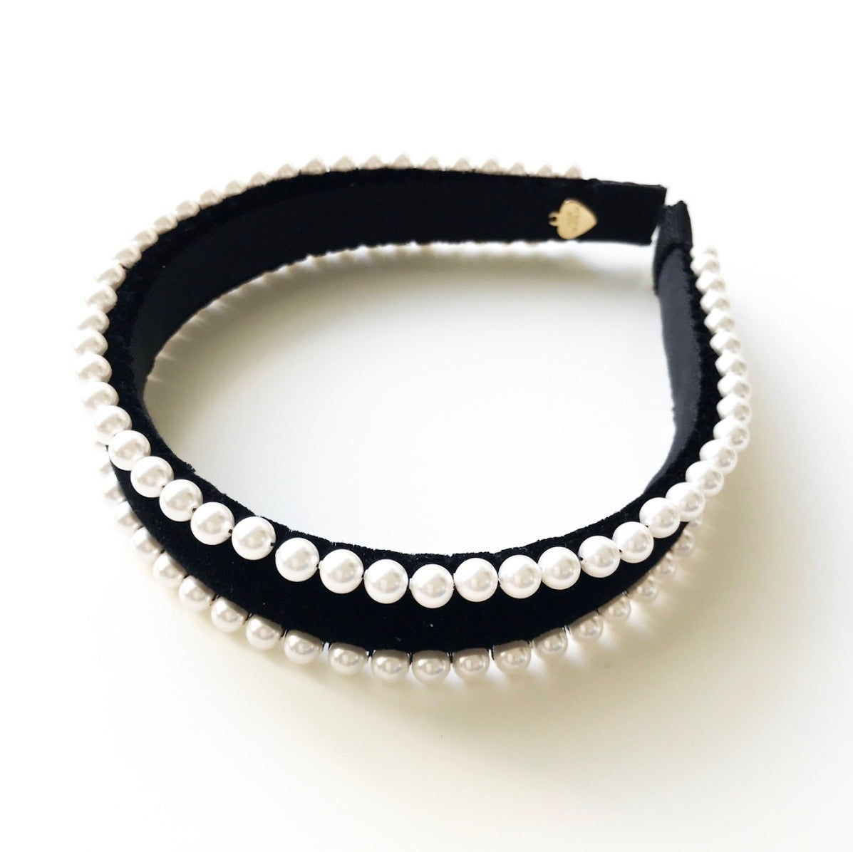 Image of VELVET W/ 2ROW PEARLS TRIM HEADBAND