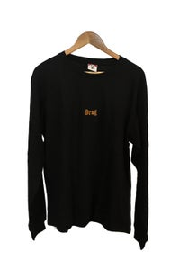 Image of DRAG MARLBORO EMBROIDERED LONG SLEEVE TEE <br> BLACK