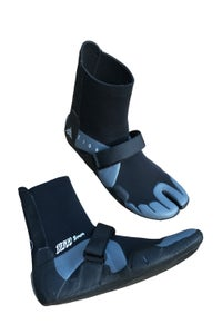 Image of ZION WETSUITS <BR> YETI 3MM SPLIT TOW BOOTIES