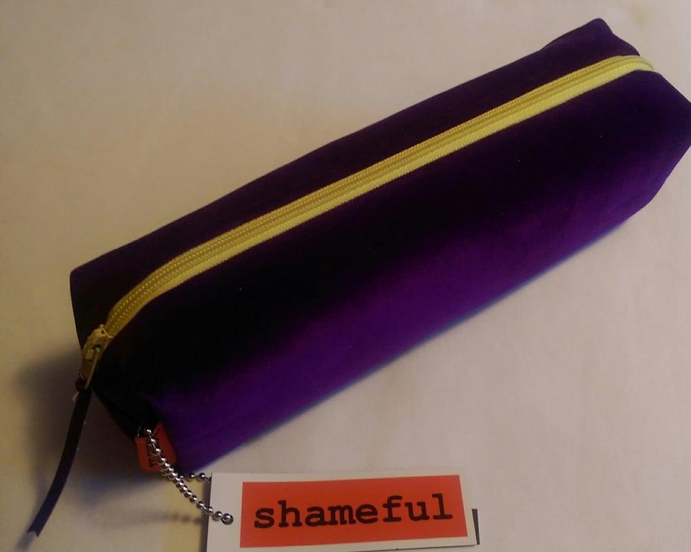 Image of NEW RANGE - Luscious purple purse with primrose zip