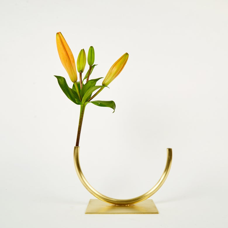 Image of Vase 905 - Halfway to a Circle Vase