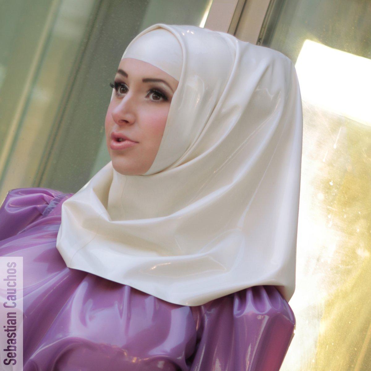 Latex Headscarf Arabic Sebastian Cauchos
