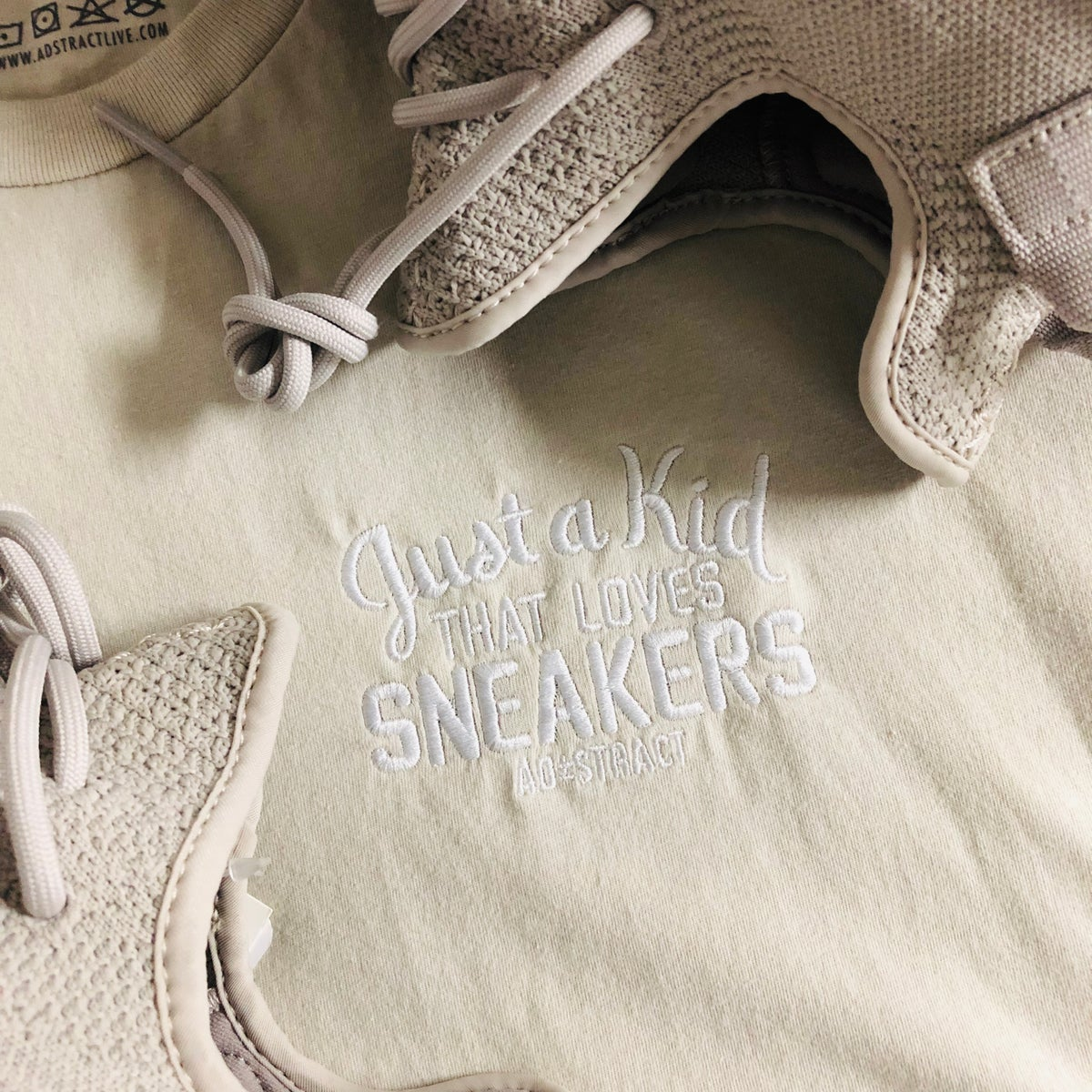 "Image of JUST A KID THAT LOVES SNEAKERS EMBROIDERY ""SESAME"" T-SHIRT & HOODY,"