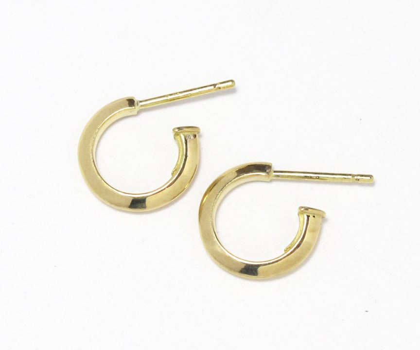 Image of Triangle Wire Hoops Small 18k Gold Post