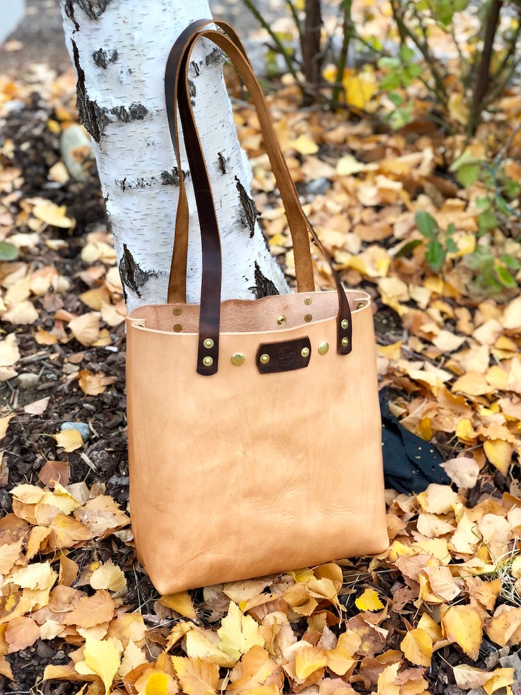 "Image of ""Farmers Market"" - Leather Tote Handbag"