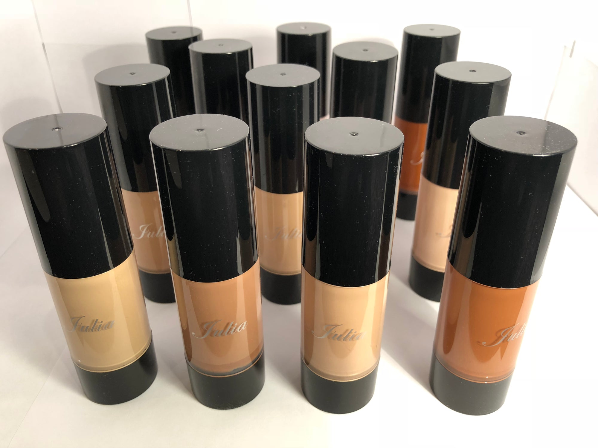 Image of Julia Long Lasting Glowing Moisturizing Full Coverage Foundation