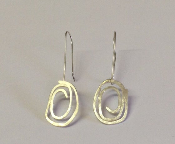 Image of Silver swirl drop