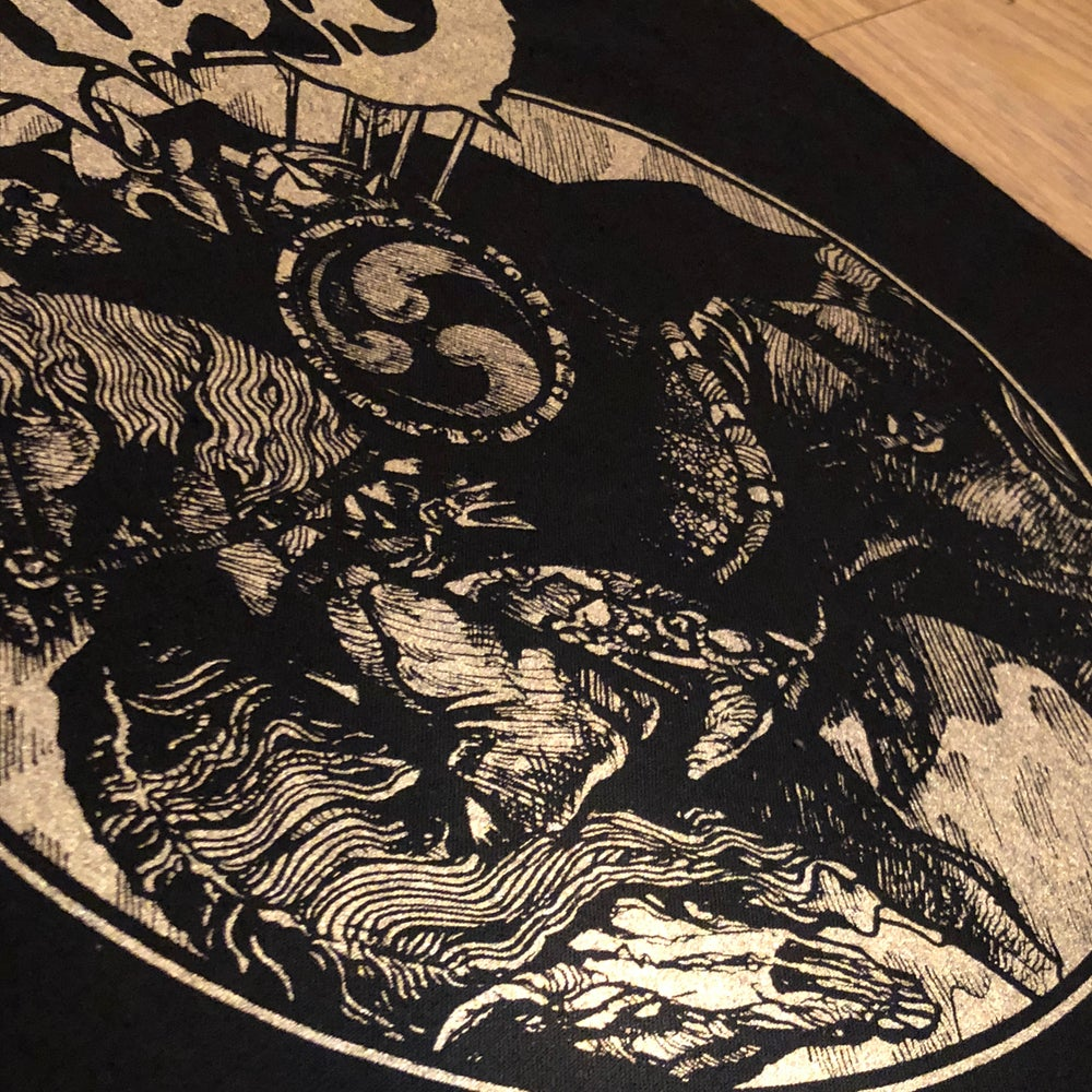 Image of HORSEBACK BATTLE HAMMER TOTE BAG