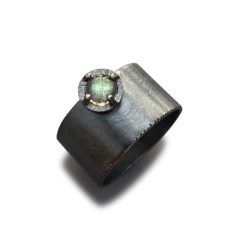 Image of juju wunder ring, in labradorite and oxidized silver