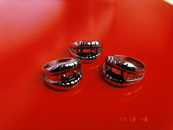 Image of VAMP RING