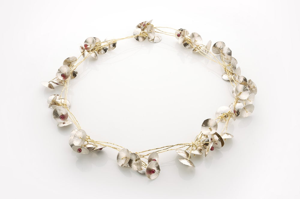 Image of 'Sakura' necklace in silver, yellow gold and garnet - halsketting in zilver goud en granaat