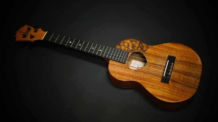 Image of KoAloha KTM-S00 Slim Tenor w/Pickguard
