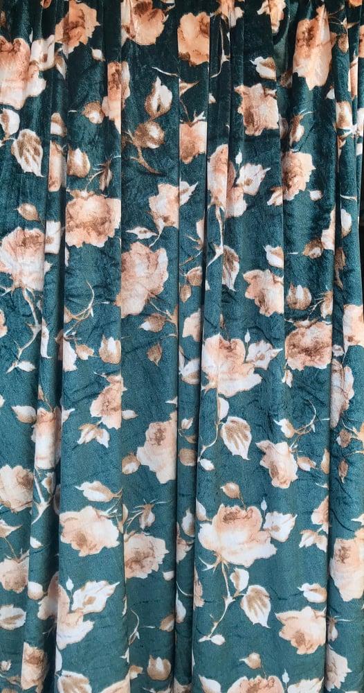 Image of Retro Floral Velvet