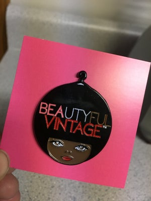 Image of Beautyful Vintage Enamel Pin