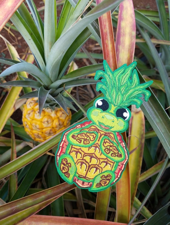 Image of Honu pineapple