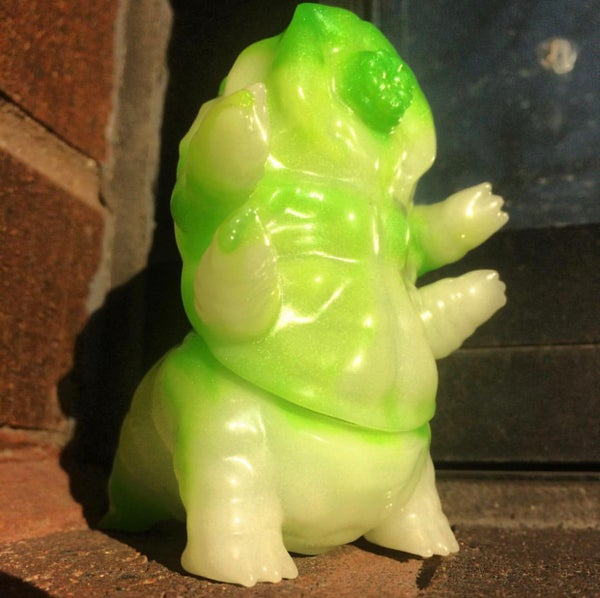 Image of Jade Tarbus the Tardugrade glow in the dark