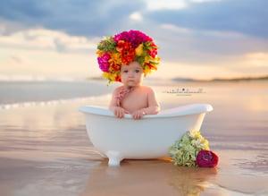 Image of Beach tub mini session 2020