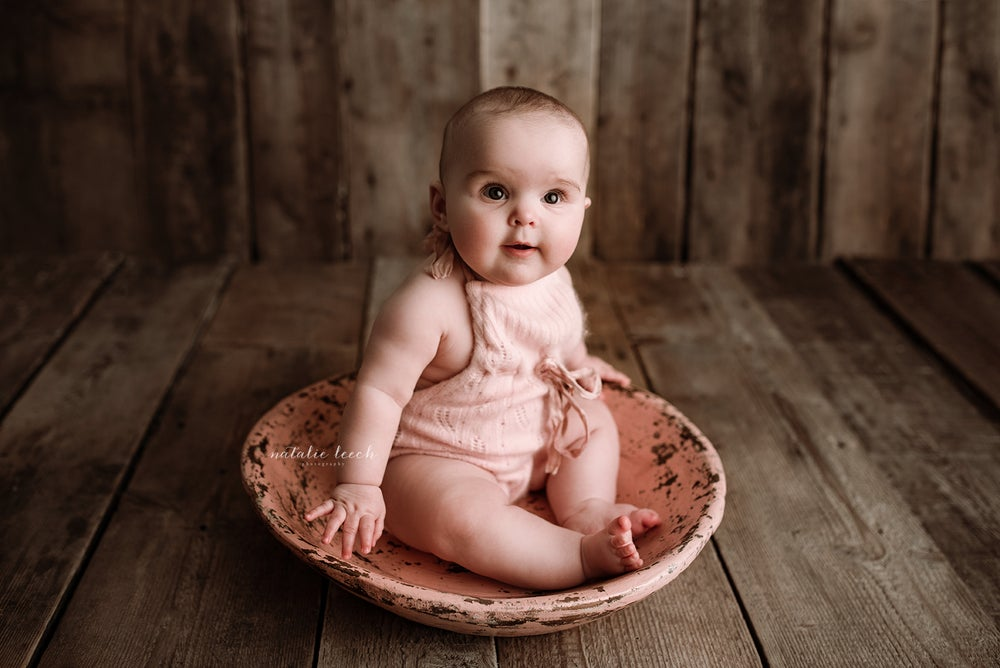 Image of Newborn and Sitter posing workshop with studio light -Sunday 10th March 2019  (deposit only)