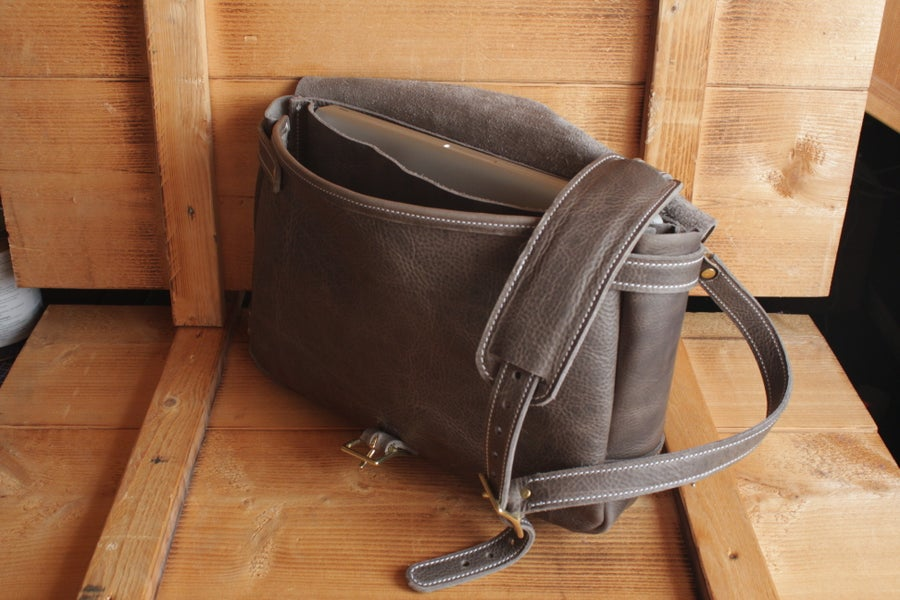 Image of POSTMAN BAG GREY