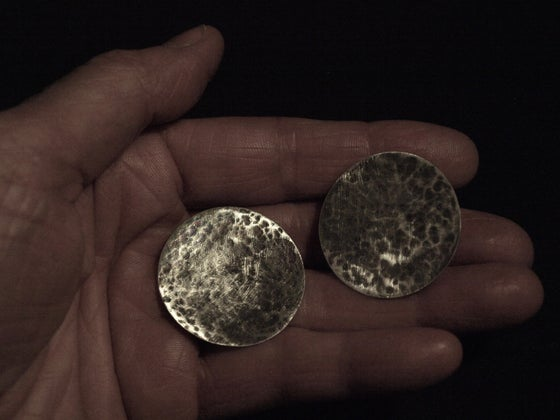 Image of LARGE SILVER DISC