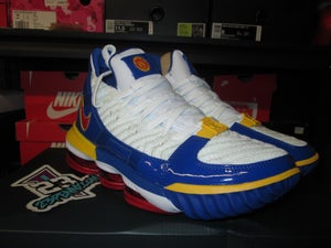 "Image of LeBron XVI (16) ""Superman"""