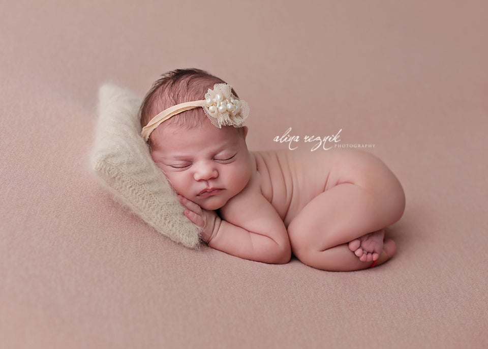 Image of Dolly knit beanbag backdrop in Blush
