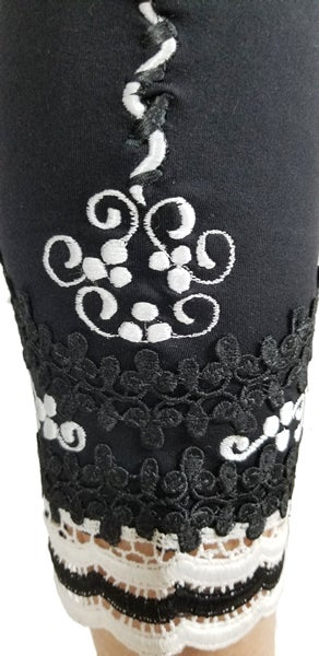 Image of Black and White lace ankle FW6113