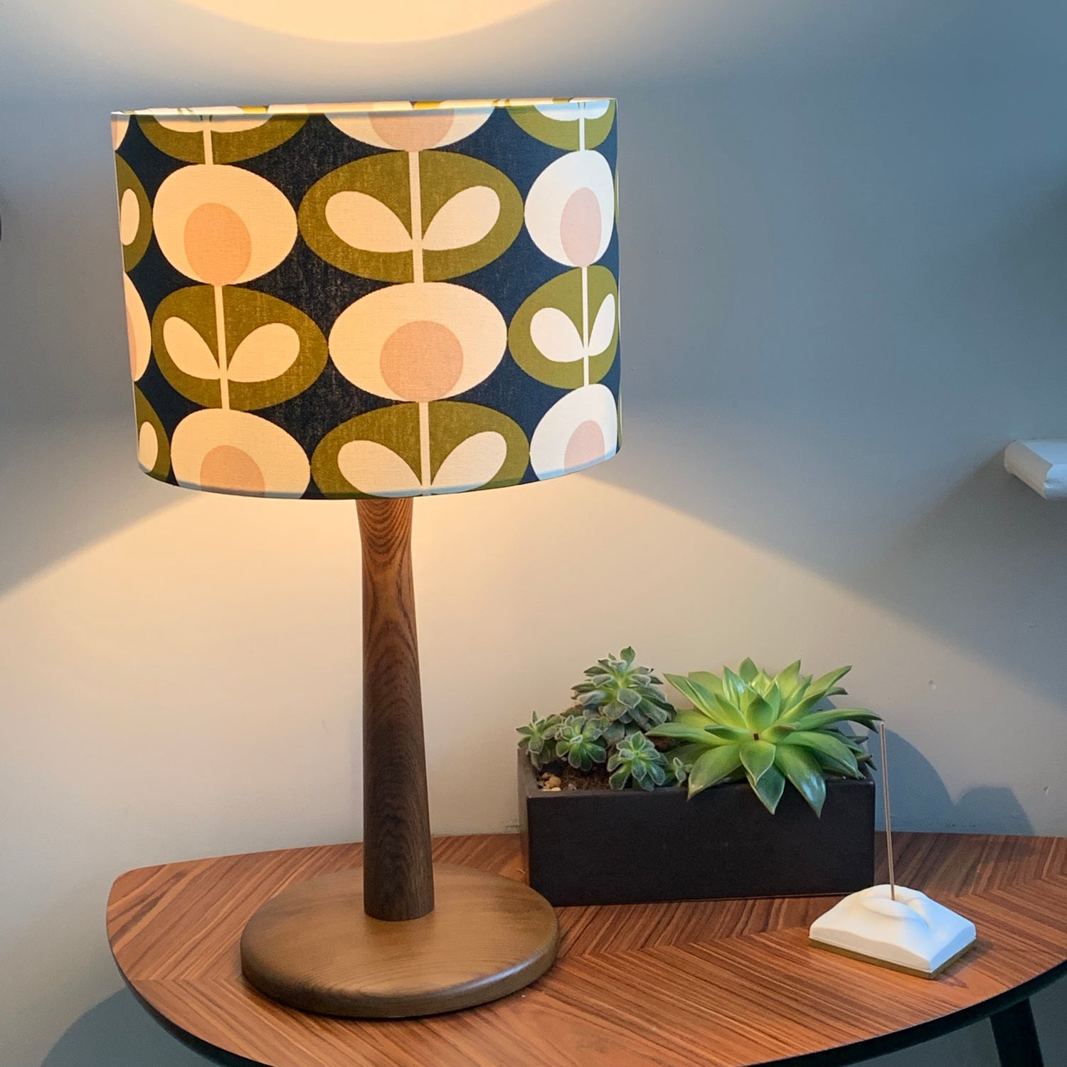 Image of Orla Kiely Oval Flower Seagrass Shade
