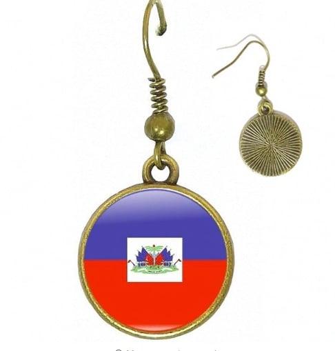 Image of Haiti Women Choker Glass Bronze Earrings